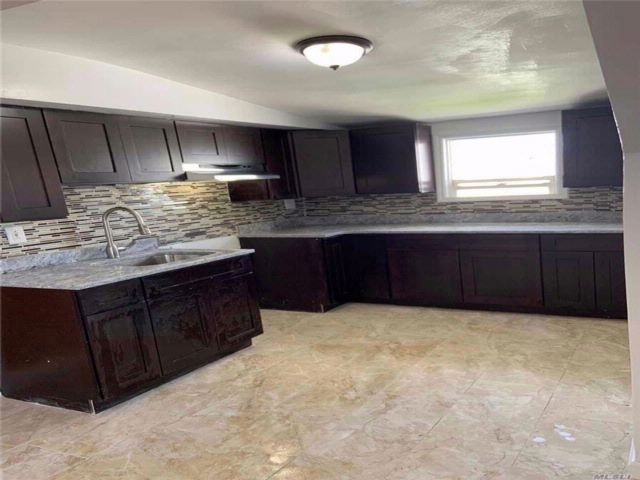 [Howard Beach Real Estate, listing number 3084544]