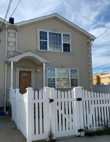 [Rockaway Park Real Estate, listing number 6839982]